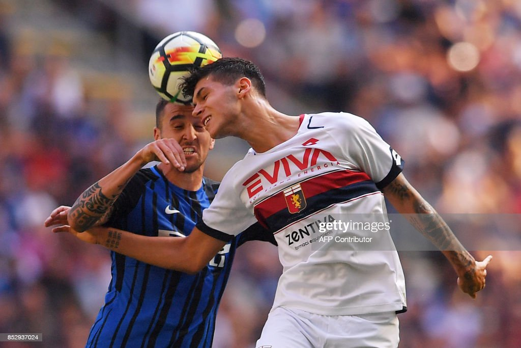 Genoa's forward Pietro Pellegri (R) and Inter Milan's midfielder from Uruguay Matias Vecino go for a header during the Italian Serie A football match Inter Milan vs Genoa at San Siro stadium in Milan on September 24, 2017. /