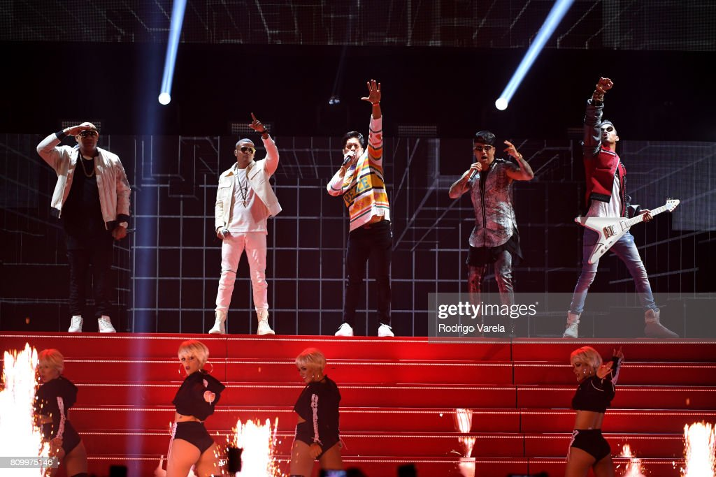 Gente De Zona, Chino, Wisin and Motiff perform on stage during Univision's 'Premios Juventud' 2017 Celebrates The Hottest Musical Artists And Young Latinos Change-Makers at Watsco Center on July 6, 2017 in Coral Gables, Florida.