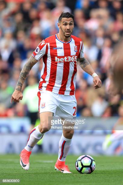 Geoff Cameron of Stoke in action during the Premier League match between Stoke City and Arsenal at Bet365 Stadium on May 13 2017 in Stoke on Trent...