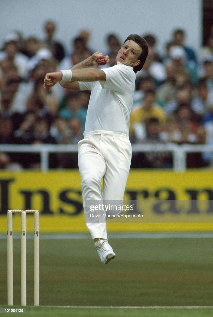 Geoff Lawson bowling for Australia on the fifth day of the 1st Test match between England and Australia at Headingley in Leeds, 13th June 1989. Australia won by 210 runs.