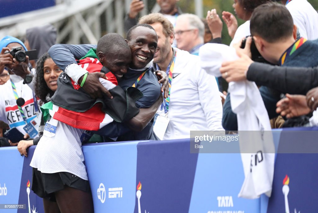 Geoffrey Kamworor of Kenya celebrates winning the Professional Men's Division during the 2017 TCS New York City Marathon in Central Park on November 5, 2017 in New York City.