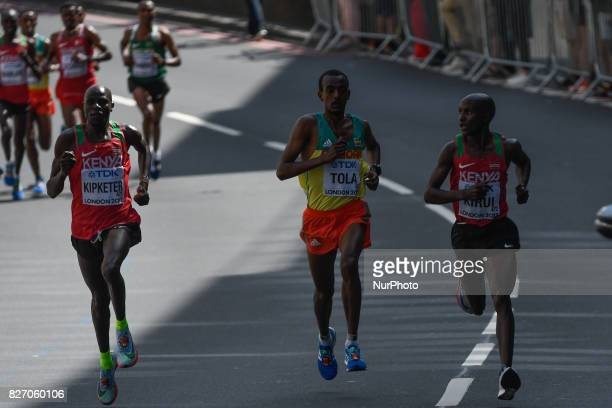 Geoffrey Kipkorir KIRUI Tamirat TOLA Gideon Kipkemoi KIPKETER The main group during marathon in London on August 6 2017 at the 2017 IAAF World...