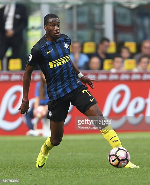 Geoffrey Kondgbia of Inter during the Serie A match between FC Internazionale and Bologna FC at Stadio Giuseppe Meazza on September 25 2016 in Milan...