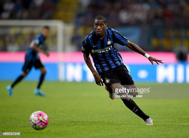 Geoffrey Kondogbia of FC Internazionale in action during the Serie A match between FC Internazionale Milano and Atalanta BC at Stadio Giuseppe Meazza...