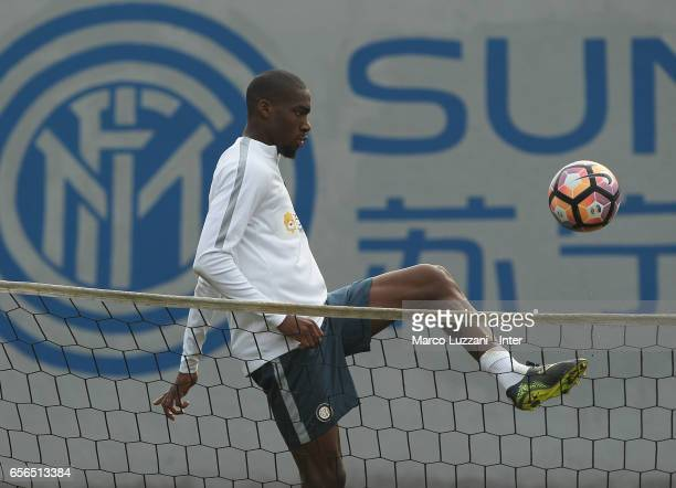 Geoffrey Kondogbia of FC Internazionale Milano controls the ball during the FC Internazionale training session at the club's training ground Suning...