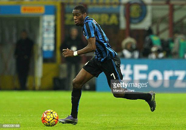 Geoffrey Kondogbia of FC Internazionale Milano in action during the Serie A match between FC Internazionale Milano and Frosinone Calcio at Stadio...