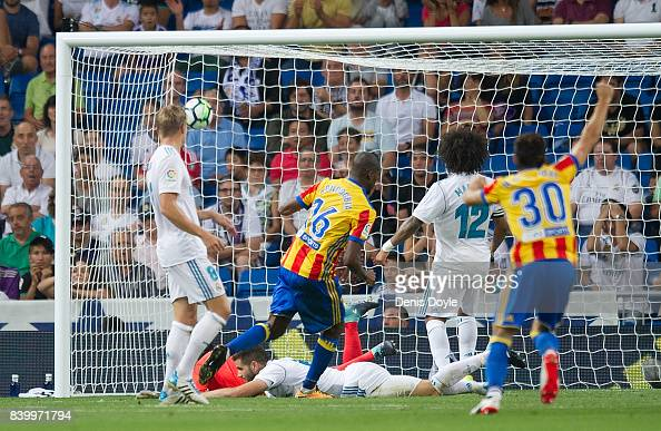Real Madrid v Valencia - La Liga : News Photo