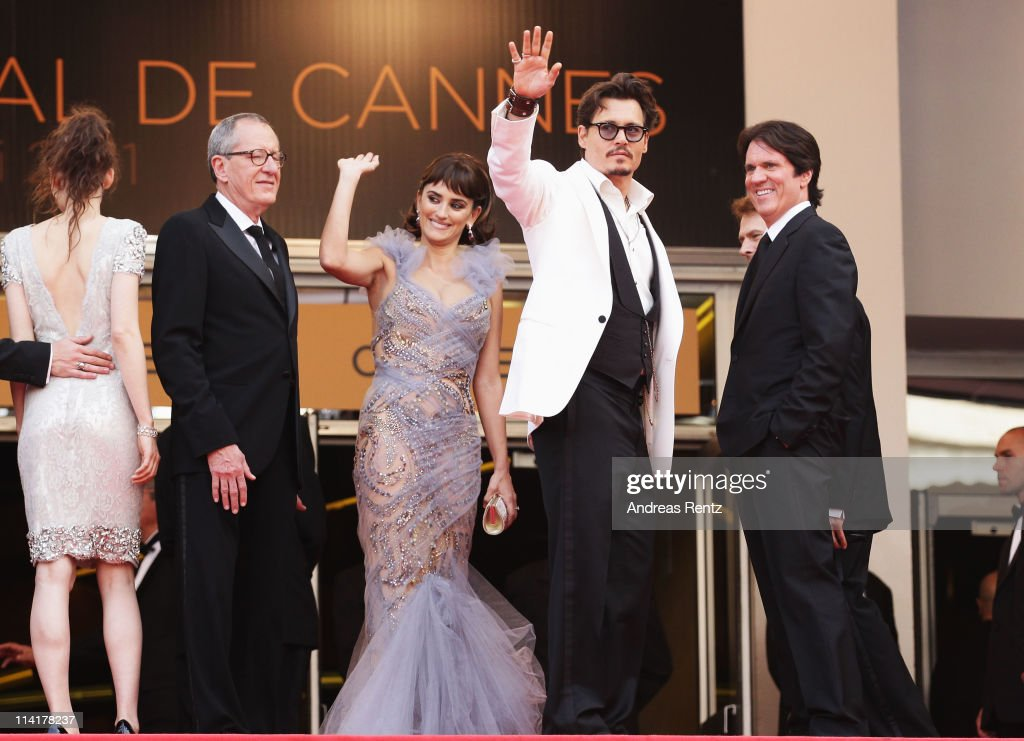 Geoffrey Rush,Penelope Cruz,<a gi-track='captionPersonalityLinkClicked' href=/galleries/search?phrase=Johnny+Depp&family=editorial&specificpeople=202150 ng-click='$event.stopPropagation()'>Johnny Depp</a>, director Rob Marshall attend the 'Pirates of the Caribbean: On Stranger Tides' premiere at the Palais des Festivals during the 64th Cannes Film Festival on May 14, 2011 in Cannes, France.