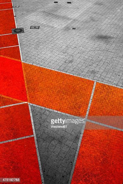 Geometrical pattern on pavement
