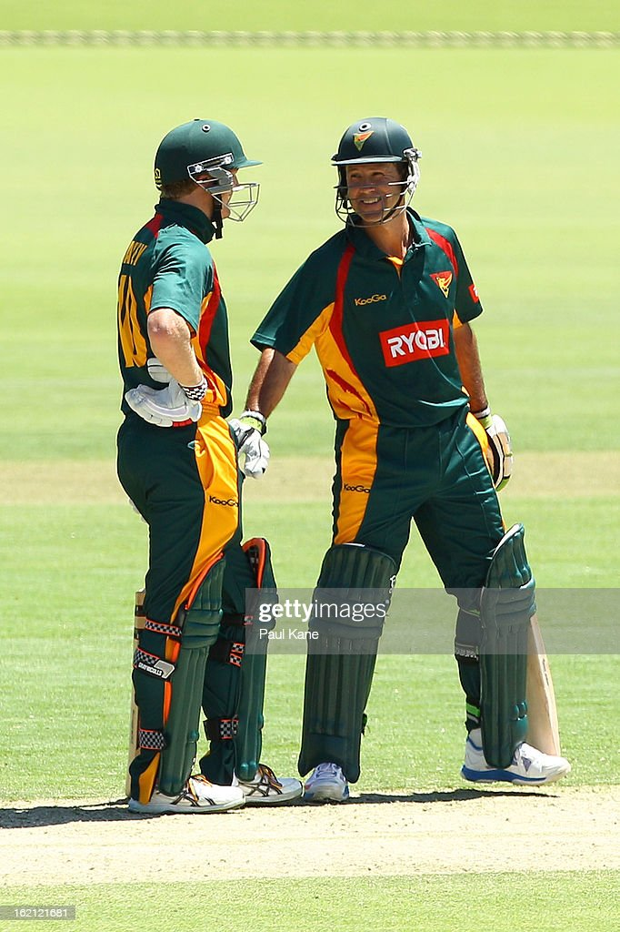 George Bailey and <a gi-track='captionPersonalityLinkClicked' href=/galleries/search?phrase=Ricky+Ponting&family=editorial&specificpeople=176564 ng-click='$event.stopPropagation()'>Ricky Ponting</a> of the Tigers talk mid wicket during the Ryobi One Day Cup match between the Western Australia Warriors and the Tasmanian Tigers at the WACA on February 19, 2013 in Perth, Australia.