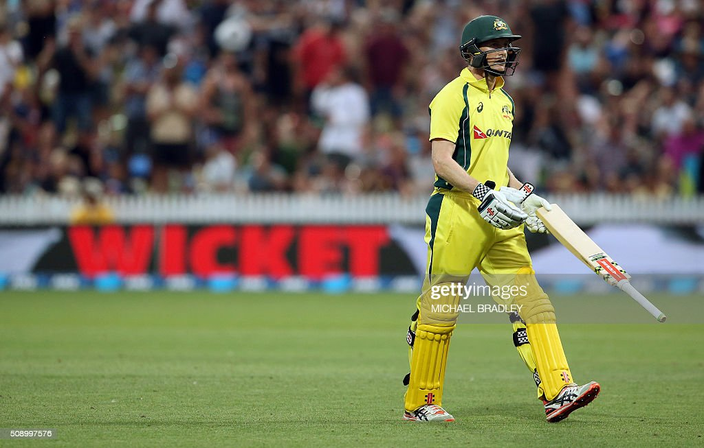 George Bailey of Australia is dismissed during the third one-day international cricket match between New Zealand and Australia at Seddon Park in Hamilton on February 8, 2016.   AFP PHOTO / MICHAEL BRADLEY / AFP / MICHAEL BRADLEY