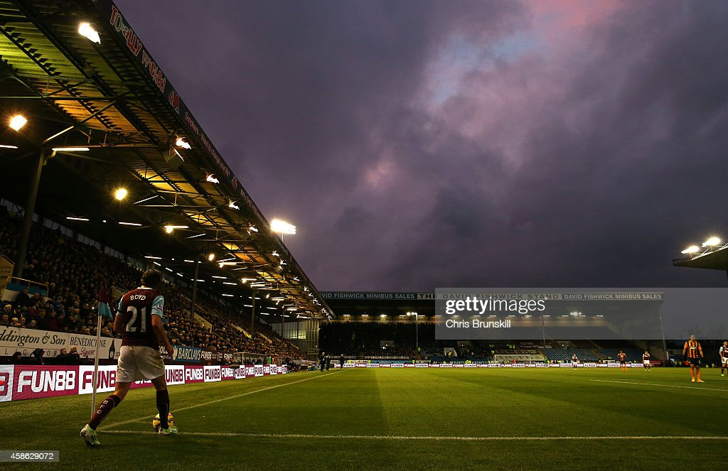 George Boyd of Burnley prepares to take a corner kick during the Barclays Premier League match between Burnley and Hull City at Turf Moor on November...