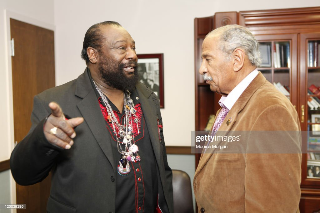 <a gi-track='captionPersonalityLinkClicked' href=/galleries/search?phrase=George+Clinton&family=editorial&specificpeople=224677 ng-click='$event.stopPropagation()'>George Clinton</a> visits U.S. Congressman <a gi-track='captionPersonalityLinkClicked' href=/galleries/search?phrase=John+Conyers&family=editorial&specificpeople=217823 ng-click='$event.stopPropagation()'>John Conyers</a>' office on December 30, 2010 in Detroit, Michigan.