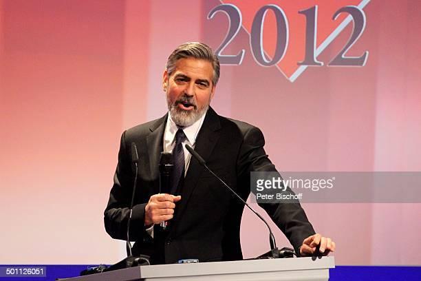 George Clooney Verleihung Gala 'Deutscher Medienpreis' 2012 fr herausragende Symbole der Menschlichkeit Kongresshaus BadenBaden BadenWrttemberg...