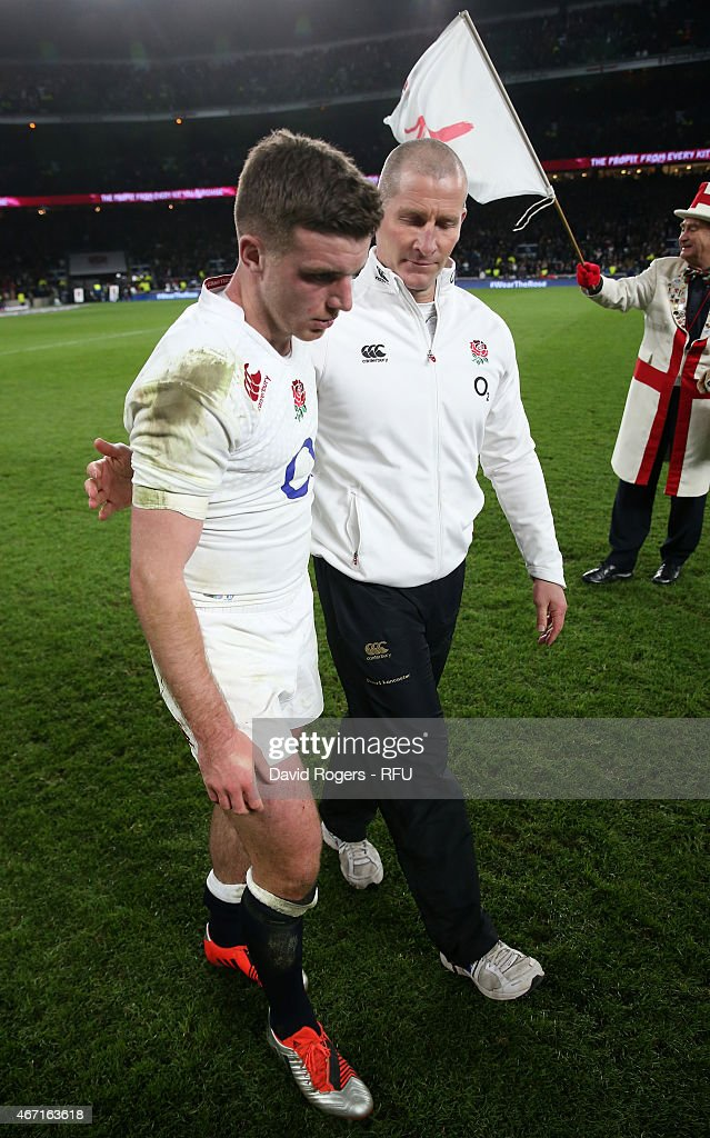 <a gi-track='captionPersonalityLinkClicked' href=/galleries/search?phrase=George+Ford+-+Jugador+de+rugby&family=editorial&specificpeople=11374128 ng-click='$event.stopPropagation()'>George Ford</a> of England is consoled by head coach <a gi-track='captionPersonalityLinkClicked' href=/galleries/search?phrase=Stuart+Lancaster&family=editorial&specificpeople=2263180 ng-click='$event.stopPropagation()'>Stuart Lancaster</a> at the end of the RBS Six Nations match between England and France at Twickenham Stadium on March 21, 2015 in London, England.