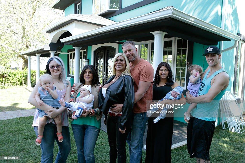 SWAP 'George Hamilton Alana Stewart/Angela 'Big Ang' Raiola' Actor George Hamilton and his exwife actress and former model Alana Stewart swap lives...