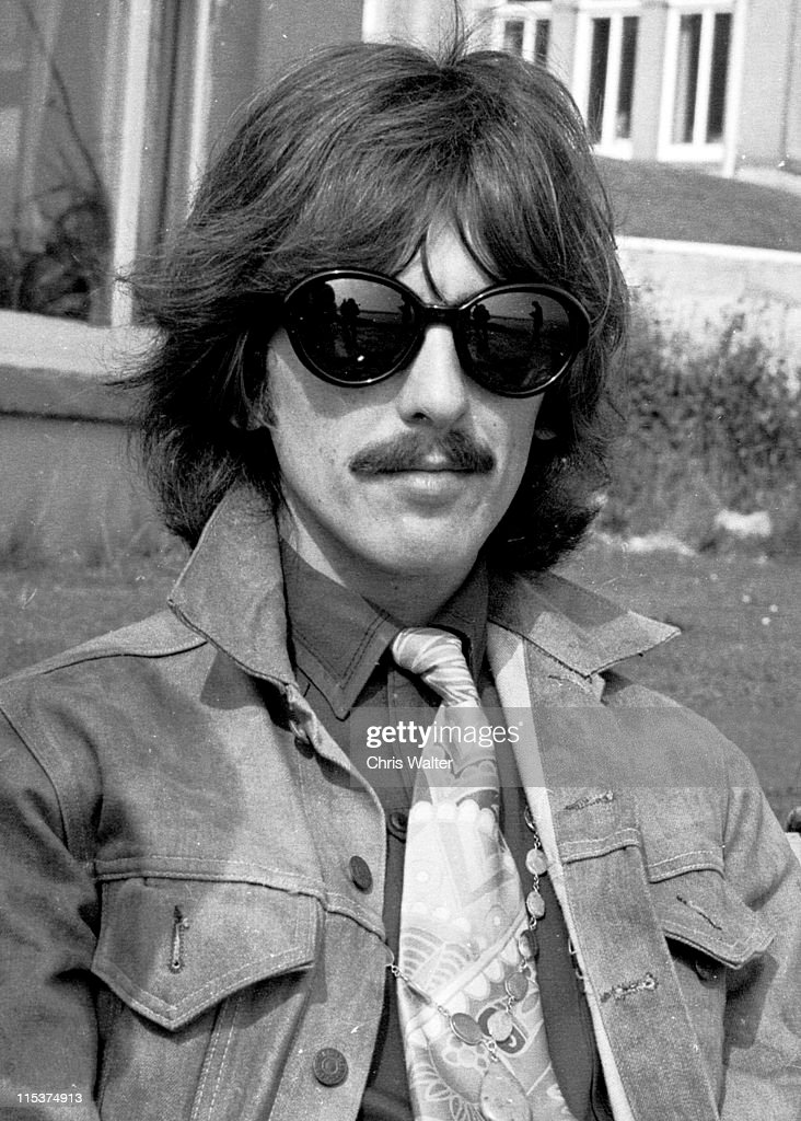 <a gi-track='captionPersonalityLinkClicked' href=/galleries/search?phrase=George+Harrison&family=editorial&specificpeople=90945 ng-click='$event.stopPropagation()'>George Harrison</a> Magical Mystery Tour 1967, Devon, England.