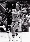 George Karl of the San Antonio Spurs of the ABA looks to pass circa 1973 in San Antonio Texas NOTE TO USER User expressly acknowledges and agrees...