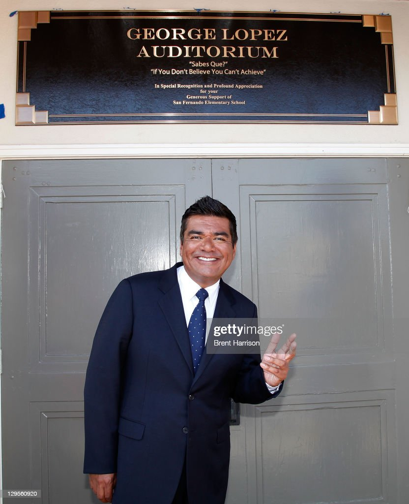 <a gi-track='captionPersonalityLinkClicked' href=/galleries/search?phrase=George+Lopez&family=editorial&specificpeople=202546 ng-click='$event.stopPropagation()'>George Lopez</a> honored at San Fernando Elementary School on October 18, 2011 in San Fernando, California.