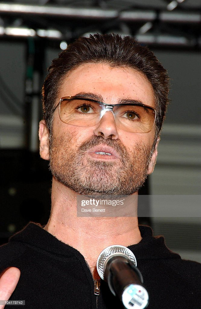 George Michael, Women Of The Year Award In Aid Of Nordoff Robins Music Therapy & The Brit Trust, A Night When Women In The Music Business Are Honored By The Peers.