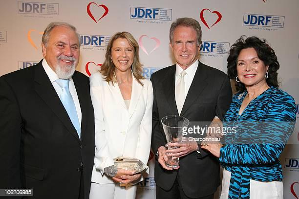 George Schlatter Annette Bening Warren Beatty and Jolene Schlatter