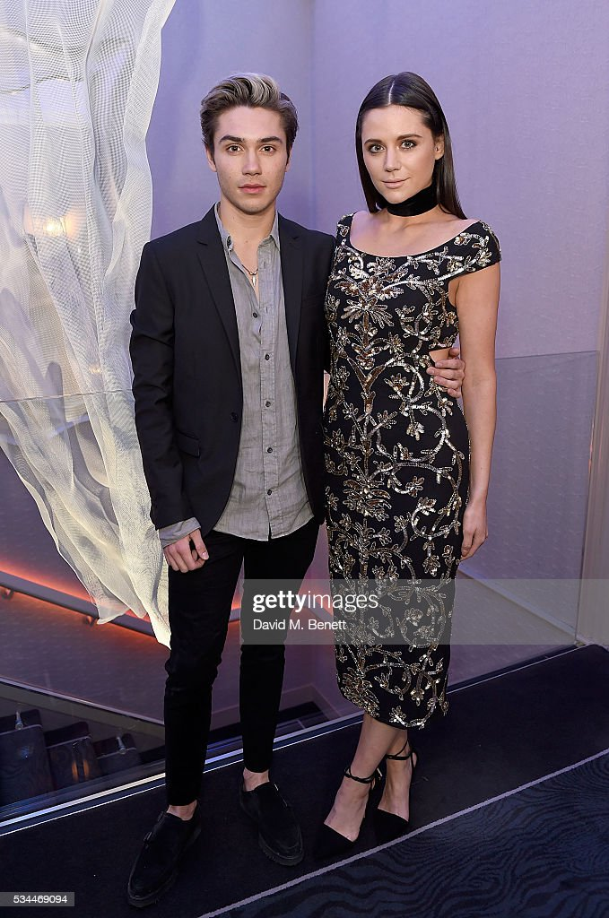 <a gi-track='captionPersonalityLinkClicked' href=/galleries/search?phrase=George+Shelley+-+S%C3%A4nger&family=editorial&specificpeople=13633342 ng-click='$event.stopPropagation()'>George Shelley</a> and <a gi-track='captionPersonalityLinkClicked' href=/galleries/search?phrase=Lilah+Parsons&family=editorial&specificpeople=9765920 ng-click='$event.stopPropagation()'>Lilah Parsons</a> arrive at the WGSN Futures Awards 2016 on May 26, 2016 in London, England.