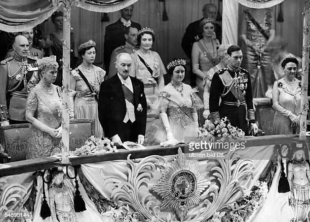 George VI König von Grossbritannien und Nordirland von 19361952 vl Königinmutter Mary PräsidentLebrun Königin Elisabeth König GeorgVI und Frau Lebrun...