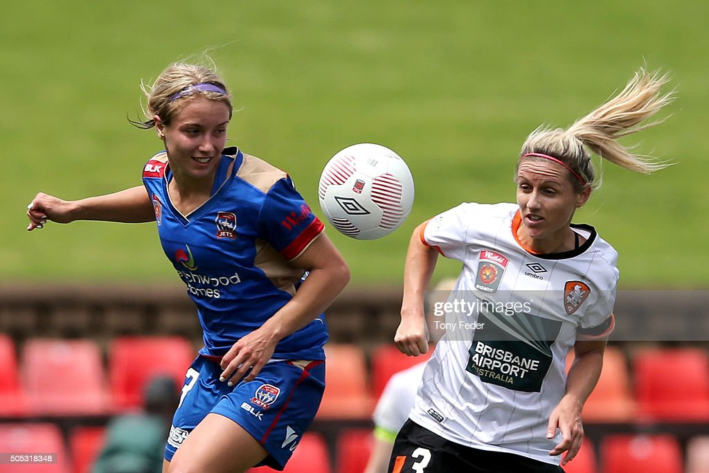 Georgia YeomanDale of the Jets contests the header against Amy Chapman of the Roar during the round 14 WLeague match between the Newcastle Jets and...
