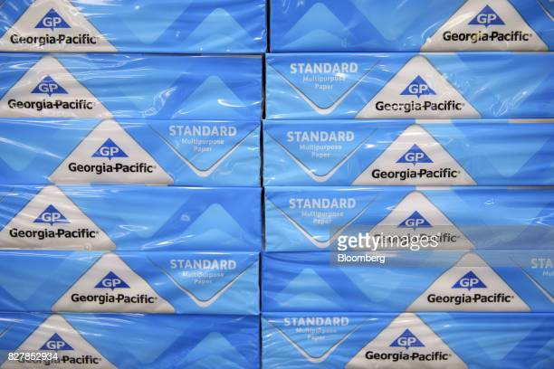 GeorgiaPacific LLC reams of paper are displayed for sale at a WalMart Stores Inc location in Burbank California US on Tuesday Aug 8 2017 WalMart...