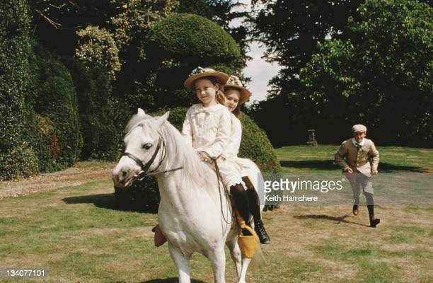 Georgina Armstrong Gemma Paternoster and Anthony Walters as the Gordon children in a scene from the film 'Black Beauty' 1994