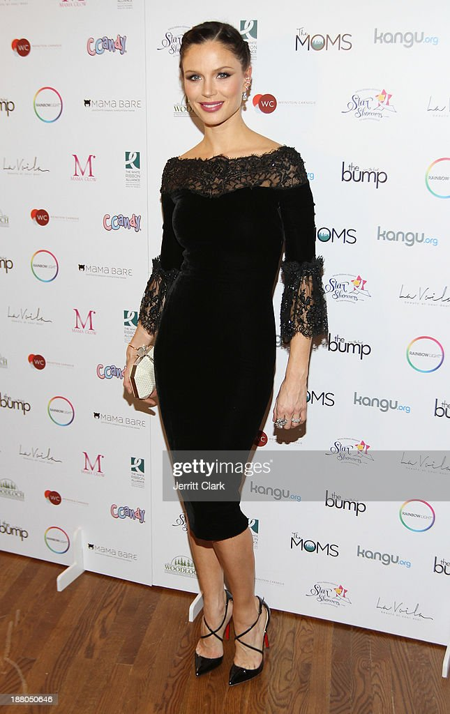 Georgina Chapman attends an evening celebrating the expansion of healthcare services to women worldwide on November 14, 2013 in New York City.