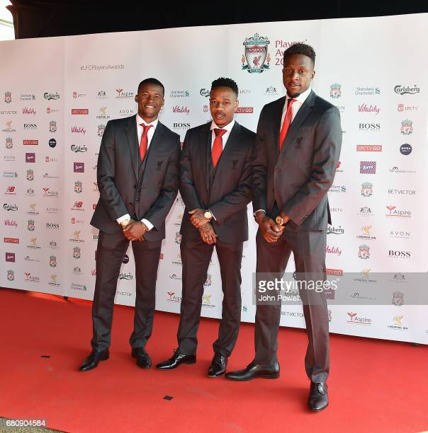 ¿Cuánto mide Nathaniel Clyne? - Real height Georginio-wijnaldum-nathaniel-clyne-and-divock-origi-of-liverpool-at-picture-id680904584?s=612x612