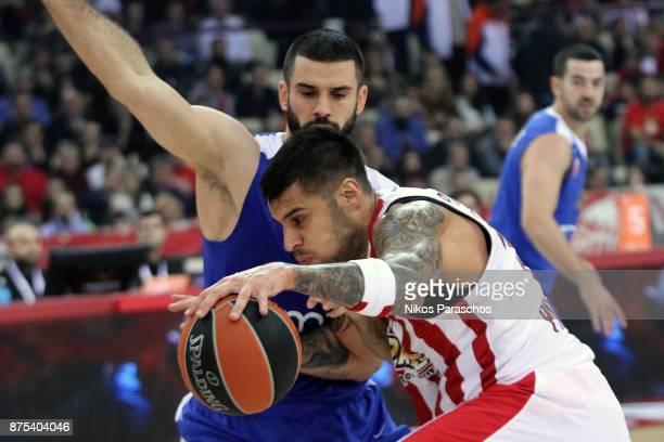 Georgios Printezis #15 of Olympiacos Piraeus competes with Branko Lazic #10 of Crvena Zvezda mts Belgrade during the 2017/2018 Turkish Airlines...
