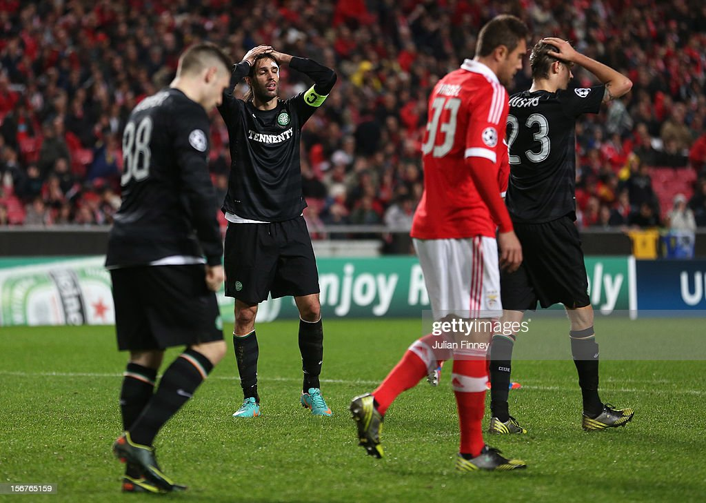 <a gi-track='captionPersonalityLinkClicked' href=/galleries/search?phrase=Georgios+Samaras&family=editorial&specificpeople=616608 ng-click='$event.stopPropagation()'>Georgios Samaras</a> of Celtic and team mates look dejected after a missed chance on goal during the UEFA Champions League, Group G match between SL Benfica and Celtic FC at Estadio da Luz on November 20, 2012 in Lisbon, Portugal.