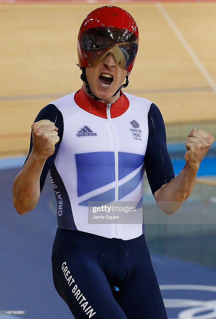 <a gi-track='captionPersonalityLinkClicked' href=/galleries/search?phrase=Geraint+Thomas&family=editorial&specificpeople=804304 ng-click='$event.stopPropagation()'>Geraint Thomas</a> of Great Britain celebrates winning gold and setting a new world record after the Men's Team Pursuit Track Cycling final on Day 7 of the London 2012 Olympic Games at Velodrome on August 3, 2012 in London, England.