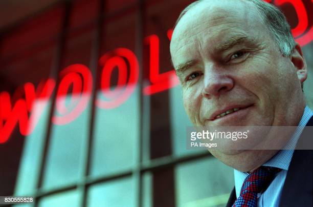 Gerald Corbett the newly appointed executive chairman of Woolworths PLC * 29/07/01Former Railtrack boss Corbett is to receive a 500000 bonus for...