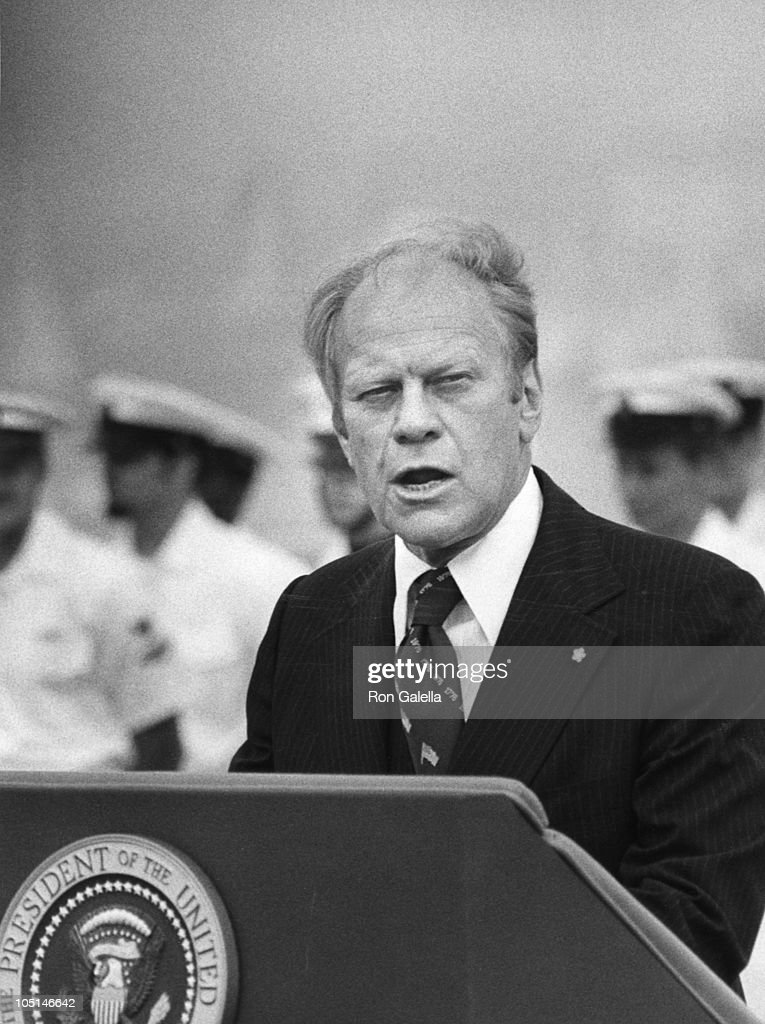 how tall is gerald ford