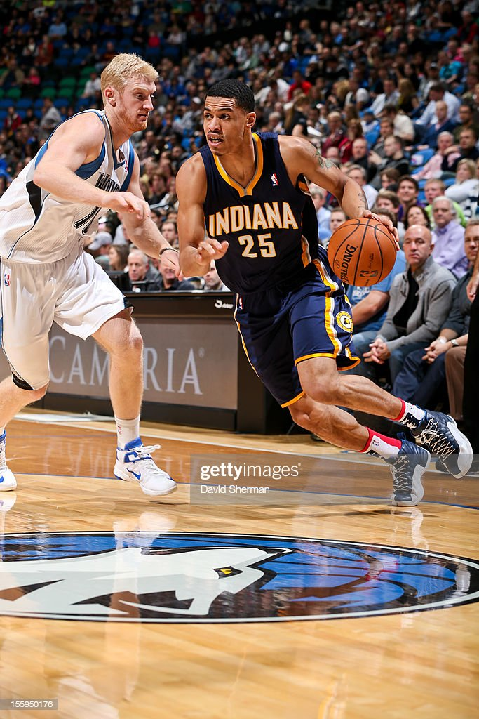 Gerald Green #25 of the Indiana Pacers drives against Chase Budinger #10 of the Minnesota Timberwolves on November 9, 2012 at Target Center in Minneapolis, Minnesota.