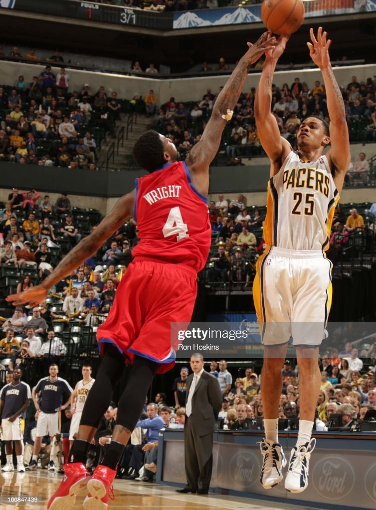 Gerald Green #25 of the Indiana Pacers goes for a jump shot against Dorell Wright #4 of the Philadelphia 76ers during the game between the Indiana Pacers and the Philadelphia 76ers on April 17, 2013 at Bankers Life Fieldhouse in Indianapolis, Indiana.