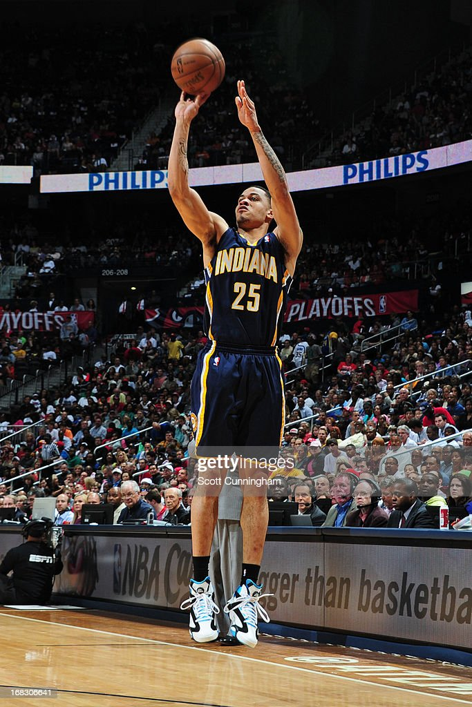 Gerald Green #25 of the Indiana Pacers shoots against the Atlanta Hawks in Game Three of the Eastern Conference Quarterfinals in the 2013 NBA Playoffs on April 27, 2013 at Philips Arena in Atlanta, Georgia.
