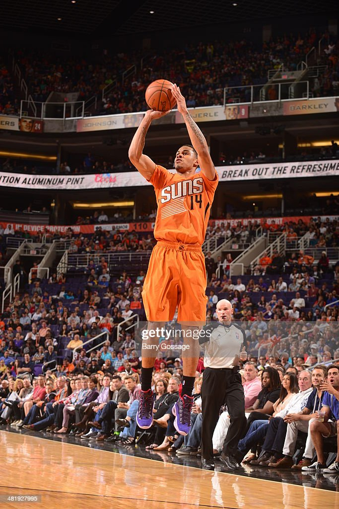 Gerald Green #14 of the Phoenix Suns shoots against the New York Knicks on March 28, 2014 at U.S. Airways Center in Phoenix, Arizona.