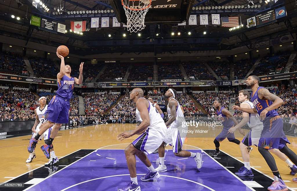 <a gi-track='captionPersonalityLinkClicked' href=/galleries/search?phrase=Gerald+Green&family=editorial&specificpeople=644655 ng-click='$event.stopPropagation()'>Gerald Green</a> #14 of the Phoenix Suns shoots against the Sacramento Kings on November 19, 2013 at Sleep Train Arena in Sacramento, California.