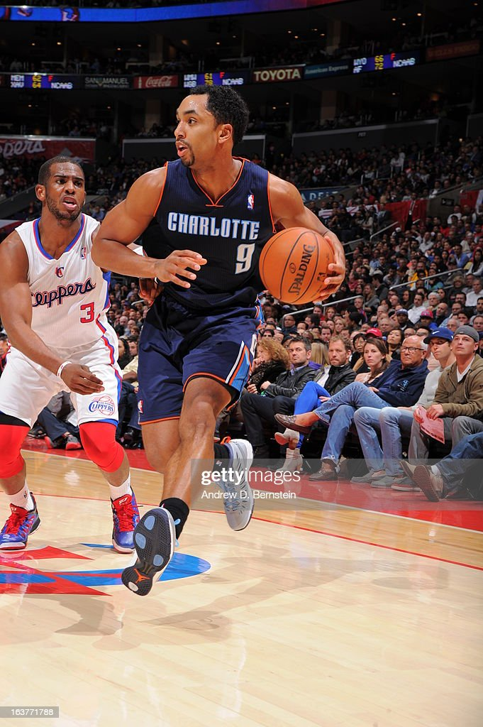 Gerald Henderson #9 of the Charlotte Bobcats drives to the basket against the Los Angeles Clippers at Staples Center on February 26, 2013 in Los Angeles, California.