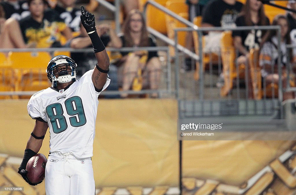 Gerald Jones #89 of the Philadelphia Eagles celebrates after catching a touchdown pass against the Pittsburgh Steelers during the preseason game on August 18, 2011 at Heinz Field in Pittsburgh, Pennsylvania.