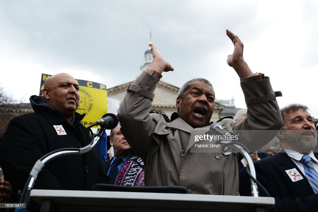 Gerald Stansbury, President of the Maryland State Conference NAACP, leads advocates of stricter gun control laws in a chant as they rally at the Maryland State House on March 1, 2013 in Annapolis, Maryland. Earlier this week, the Maryland Senate passed a gun control bill, which if passed in the House of Delegates, would require a license to purchase a handgun, ban the sale of assault-style rifles and limit magazine size, among other provisions.