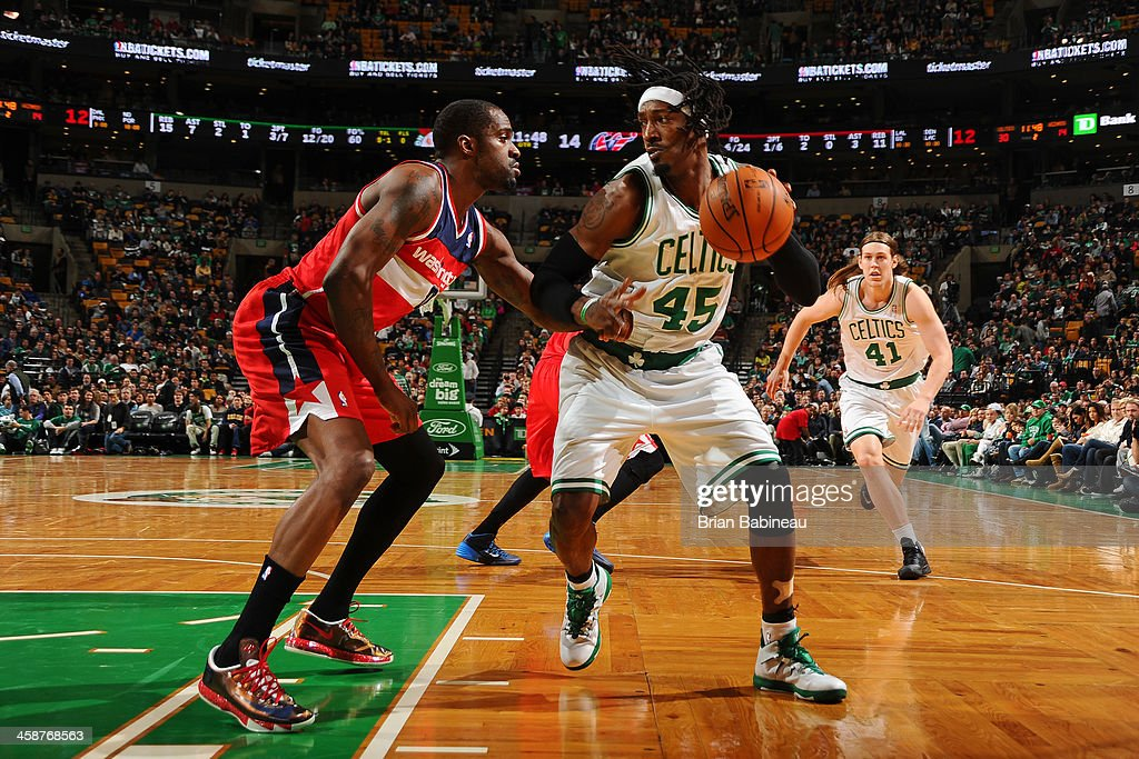 Gerald Wallace #45 of the Boston Celtics drives to the basket against the Washington Wizards on December 21, 2013 at the TD Garden in Boston, Massachusetts.