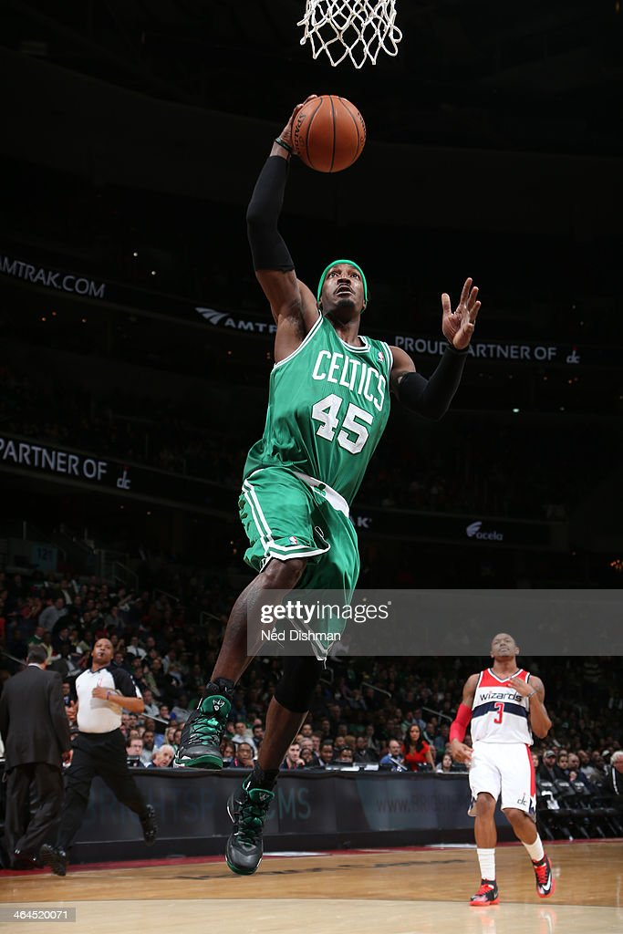 Gerald Wallace #45 of the Boston Celtics dunks against the Washington Wizards during the game at the Verizon Center on January 22, 2014 in Washington, DC.