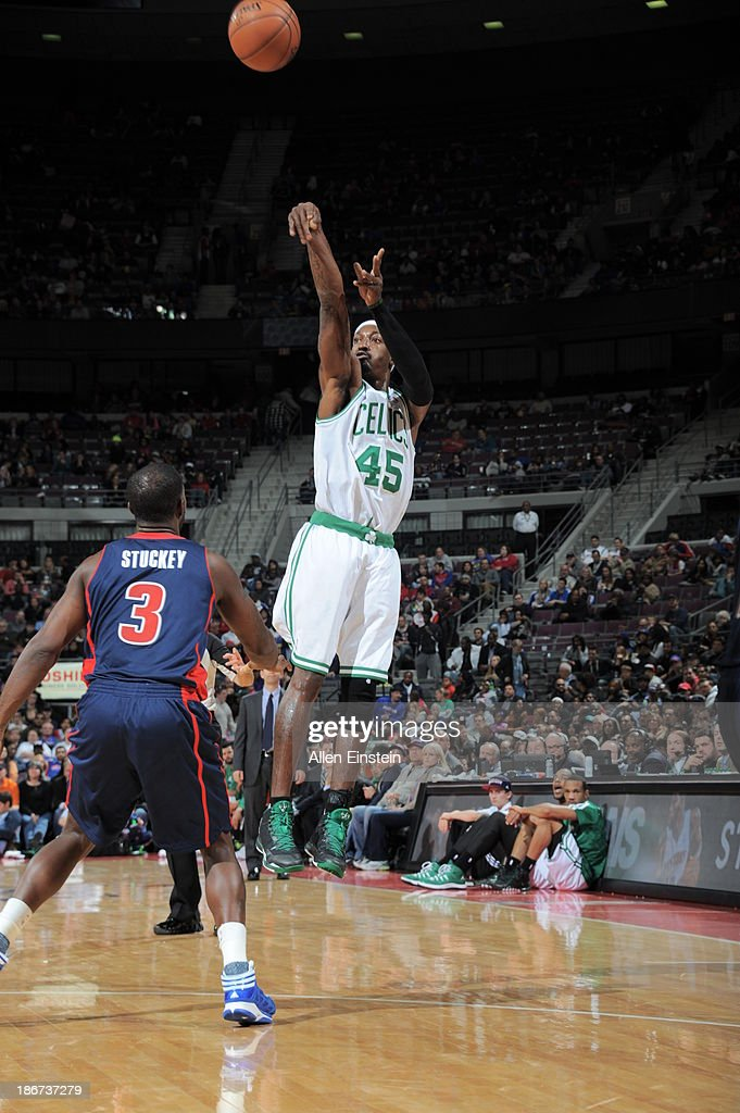 <a gi-track='captionPersonalityLinkClicked' href=/galleries/search?phrase=Gerald+Wallace&family=editorial&specificpeople=202117 ng-click='$event.stopPropagation()'>Gerald Wallace</a> #45 of the Boston Celtics shoots against <a gi-track='captionPersonalityLinkClicked' href=/galleries/search?phrase=Rodney+Stuckey&family=editorial&specificpeople=4375687 ng-click='$event.stopPropagation()'>Rodney Stuckey</a> #3 of the Detroit Pistons on November 3, 2013 at The Palace of Auburn Hills in Auburn Hills, Michigan.