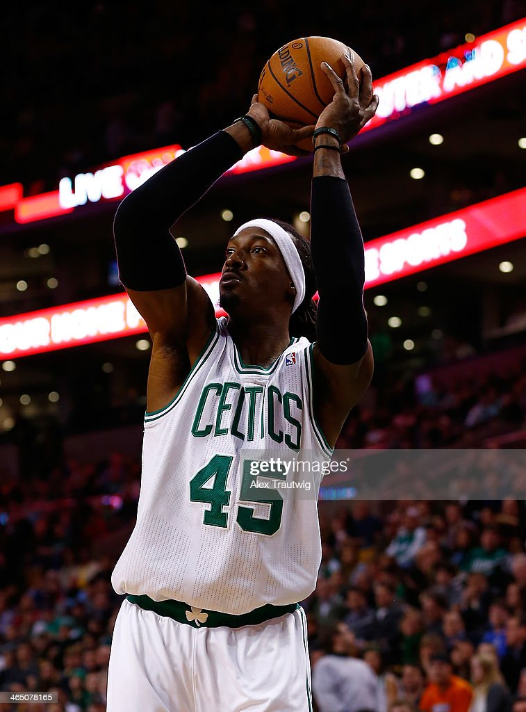 Gerald Wallace #45 of the Boston Celtics shoots against the Oklahoma City Thunder during a game at the TD Garden on January 24, 2014 in Boston, Massachusetts.