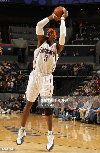 Gerald Wallace of the Charlotte Bobcats takes a jump shot against the Los Angeles Lakers during the game on March 5 2010 at the Time Warner Cable...